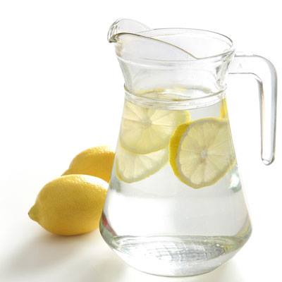 Νερό και λεμόνι